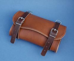 Sacoche de selle marron en cuir synthétique