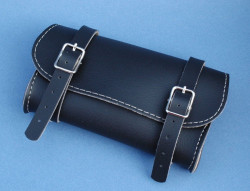 Bag to hang behind the saddle color black